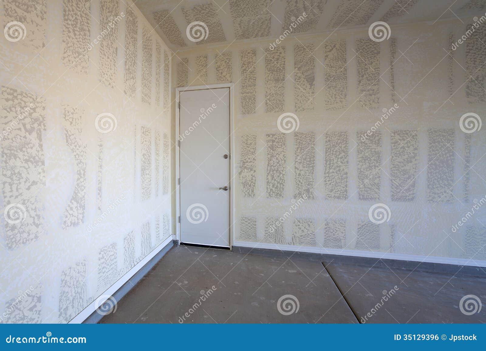 trockenmauer bau einer garage lizenzfreies stockbild bild 35129396. Black Bedroom Furniture Sets. Home Design Ideas