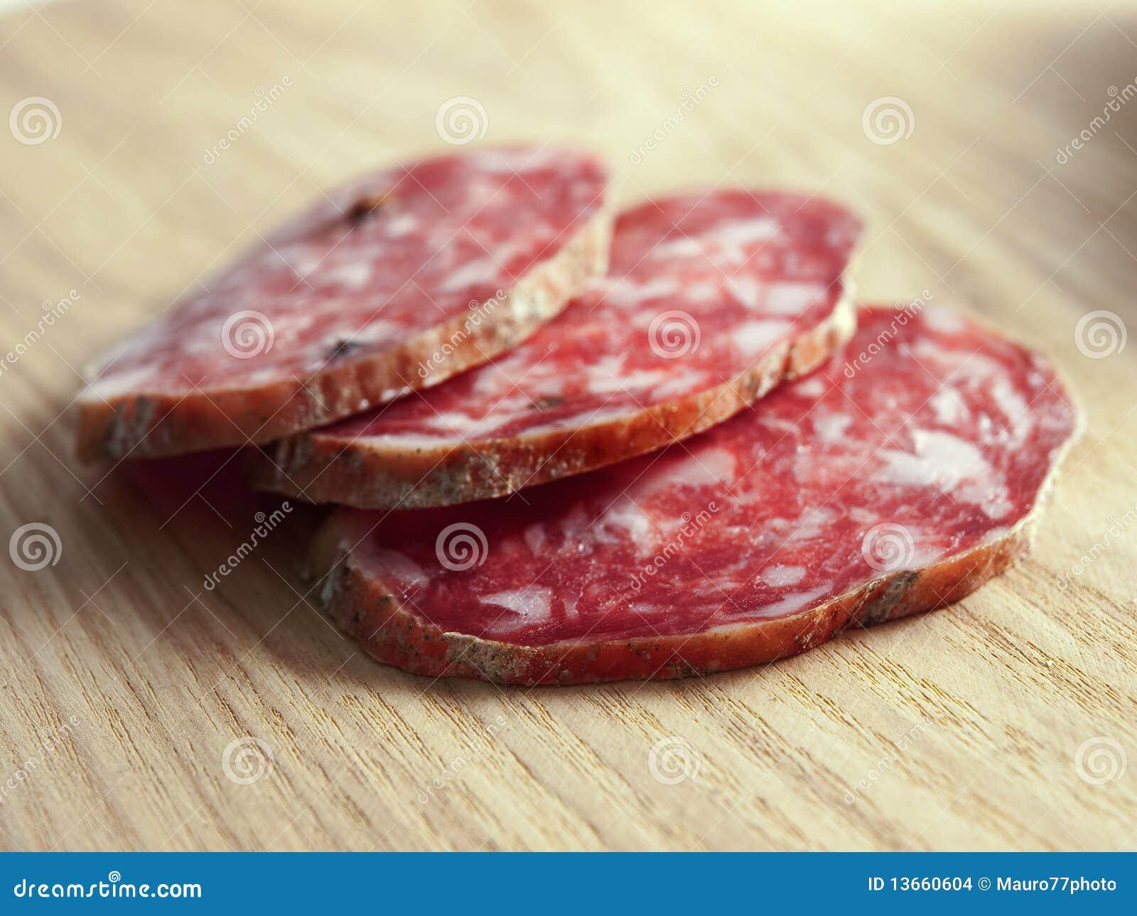 Trois parts de salami