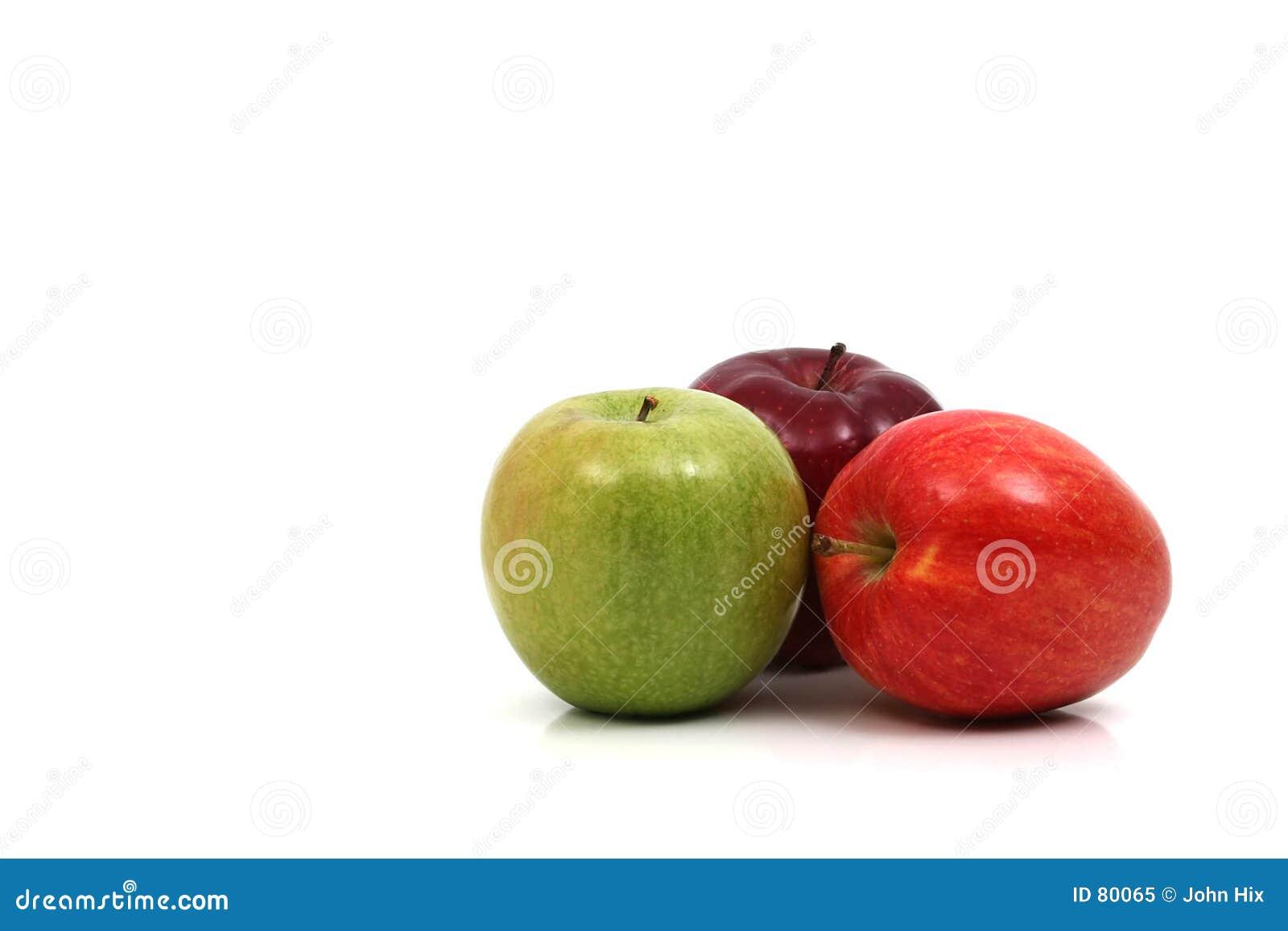 Trois pommes