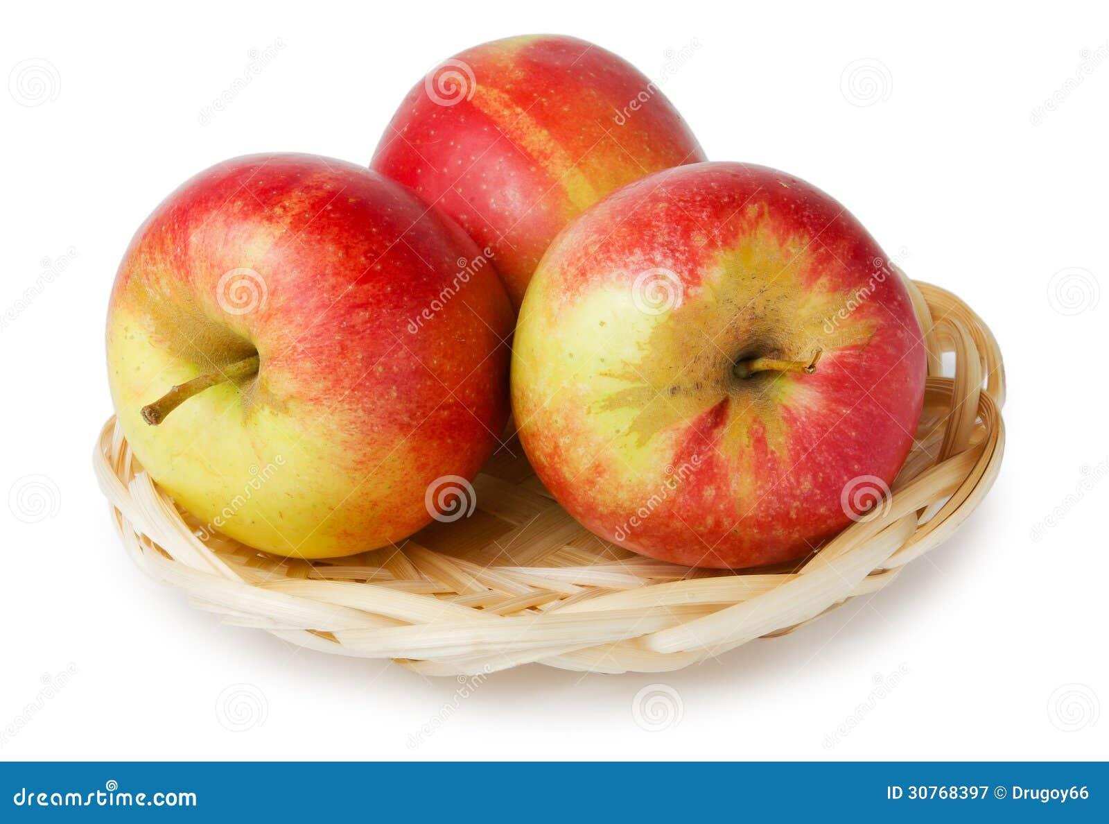 trois pommes dans un panier image stock image du panier blanc 30768397. Black Bedroom Furniture Sets. Home Design Ideas