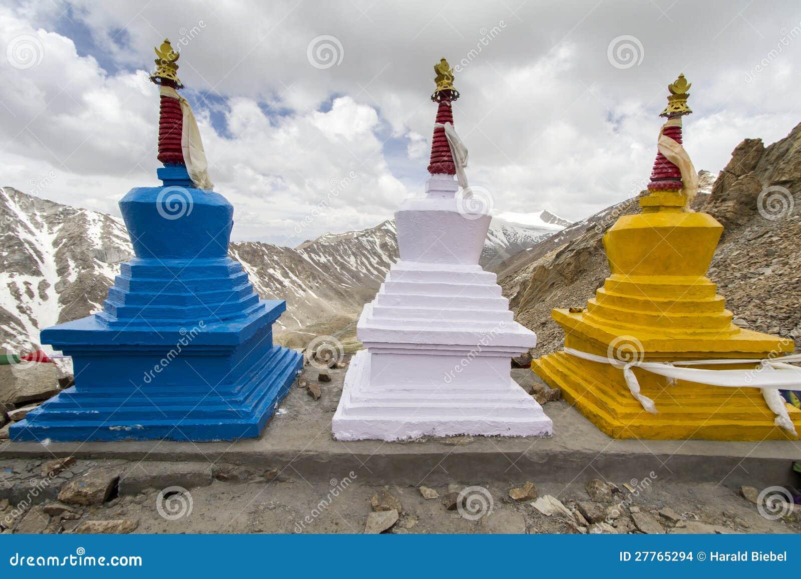 Trois stupas (gompas)