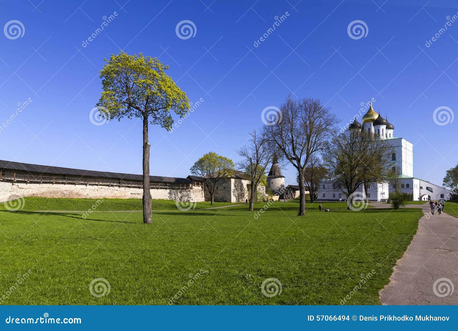Troitskykathedraal in Pskov, Rusland
