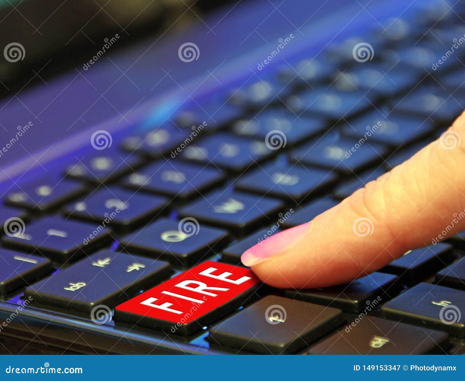 Trojan f?r ransomware f?r malware f?r virus f?r reng?ringsduk f?r ondsint attack f?r r?d knapp f?r datorbrand m?rk
