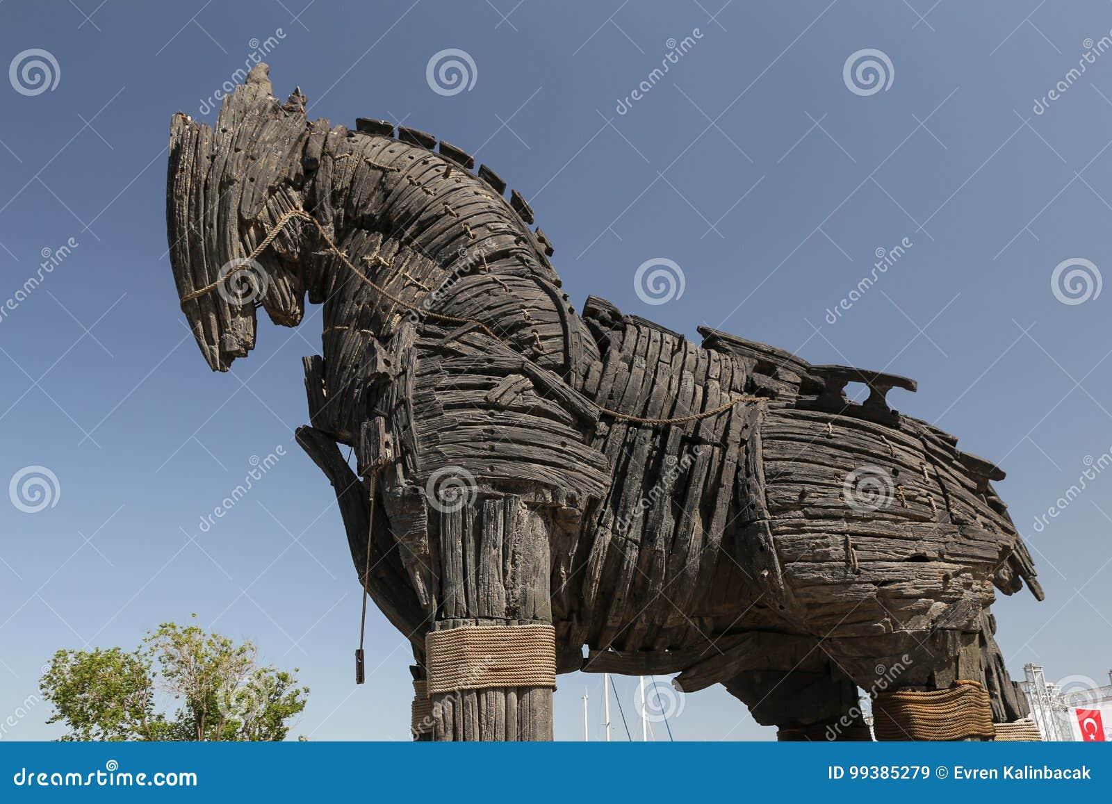 Trojanska Hästen I Den Canakkale Staden Fotografering för ...
