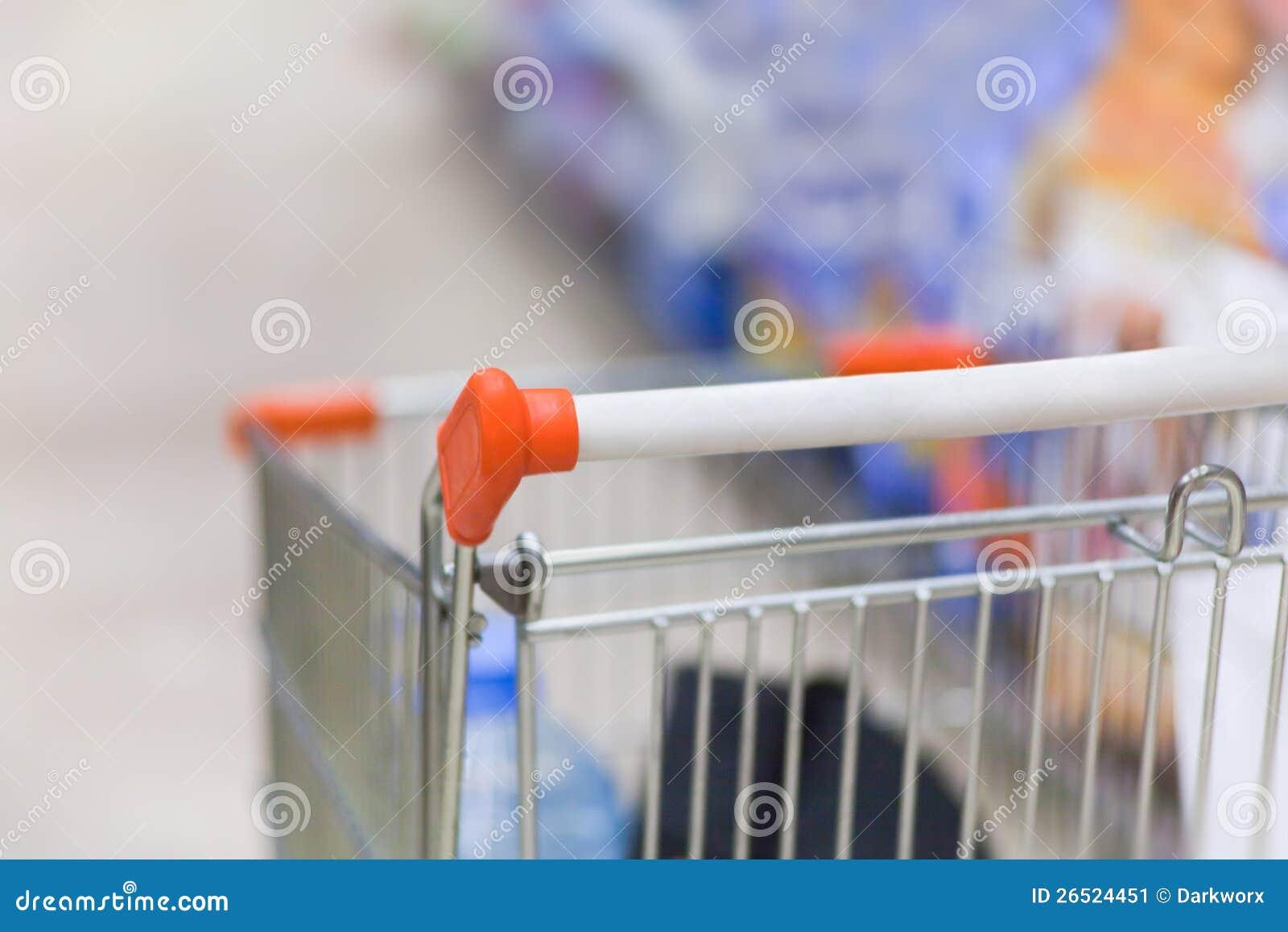 Trole da compra no supermercado