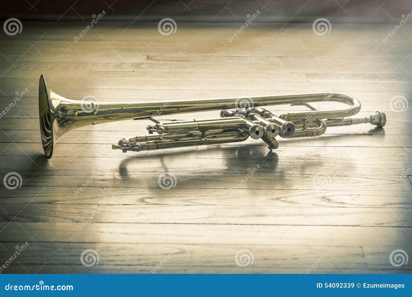 Trompet Houten Vloer