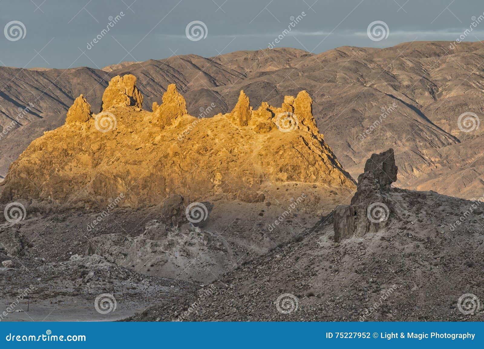 Trona Pinnacles, Sears Valley