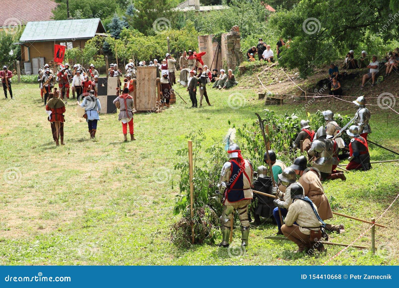 Tropas escondidas na batalha de Budyne