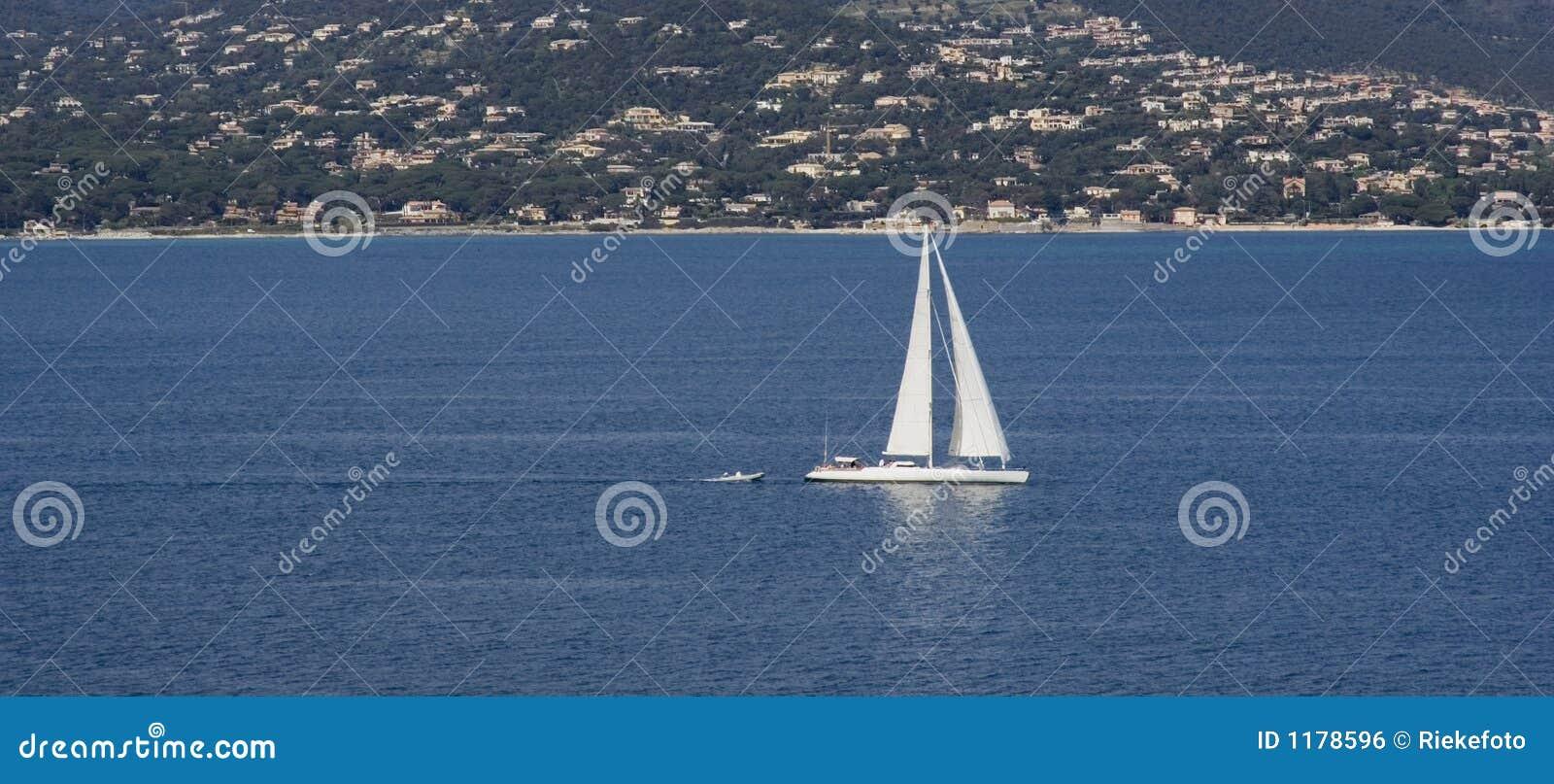 Tropez святой залива