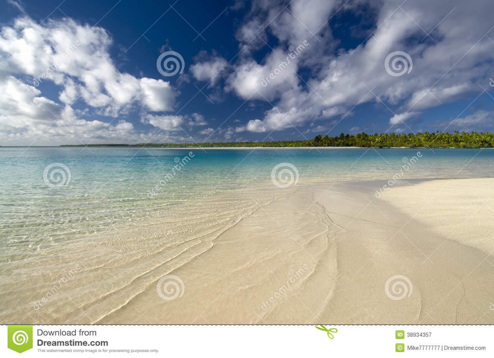Lagoon Tropical Island: Tropical Beach And Lagoon. Aitutaki,Cook Islands Stock