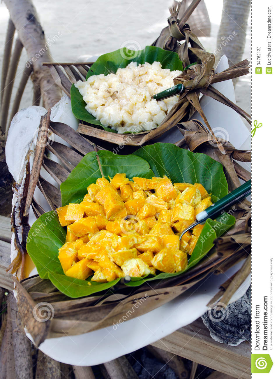 Tropical food served outdoor in aitutaki lagoon cook for Cuisine west island