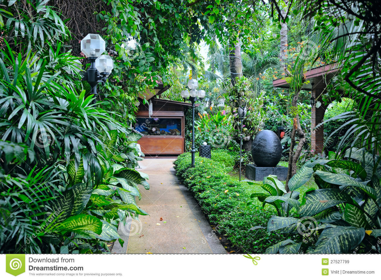 Tropical Garden Royalty Free Stock Images - Image: 27527799