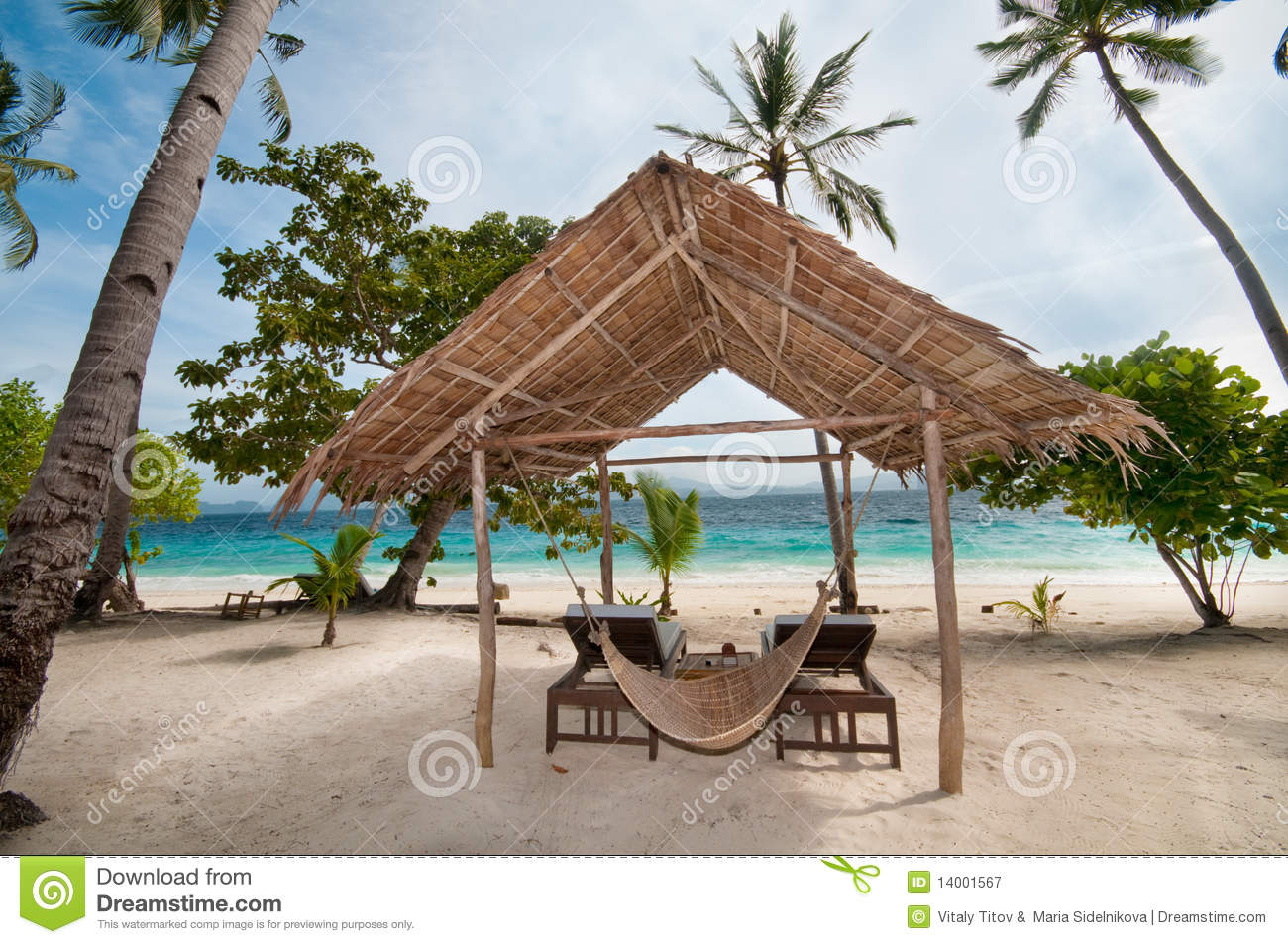 Tropical Beach Huts: Tropical Hut Royalty Free Stock Photography