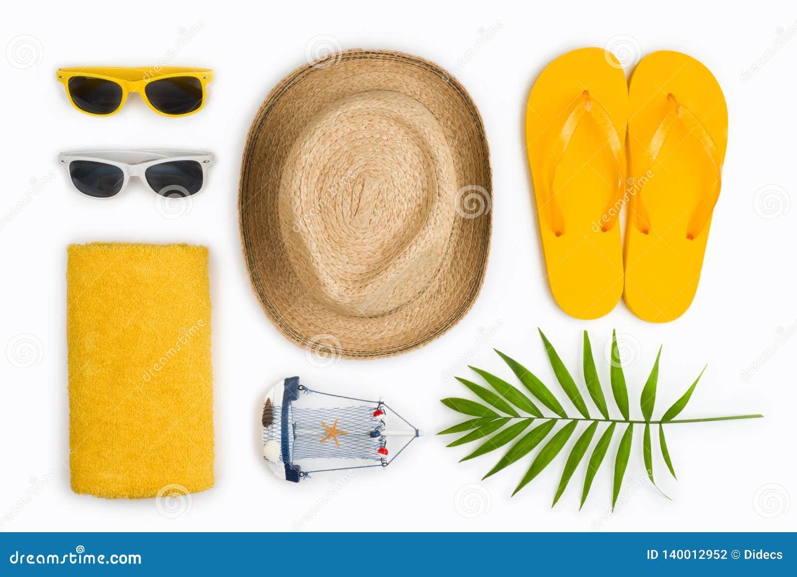 Tropikalne plażowe rzeczy i podróż symbole odizolowywający na białym tle