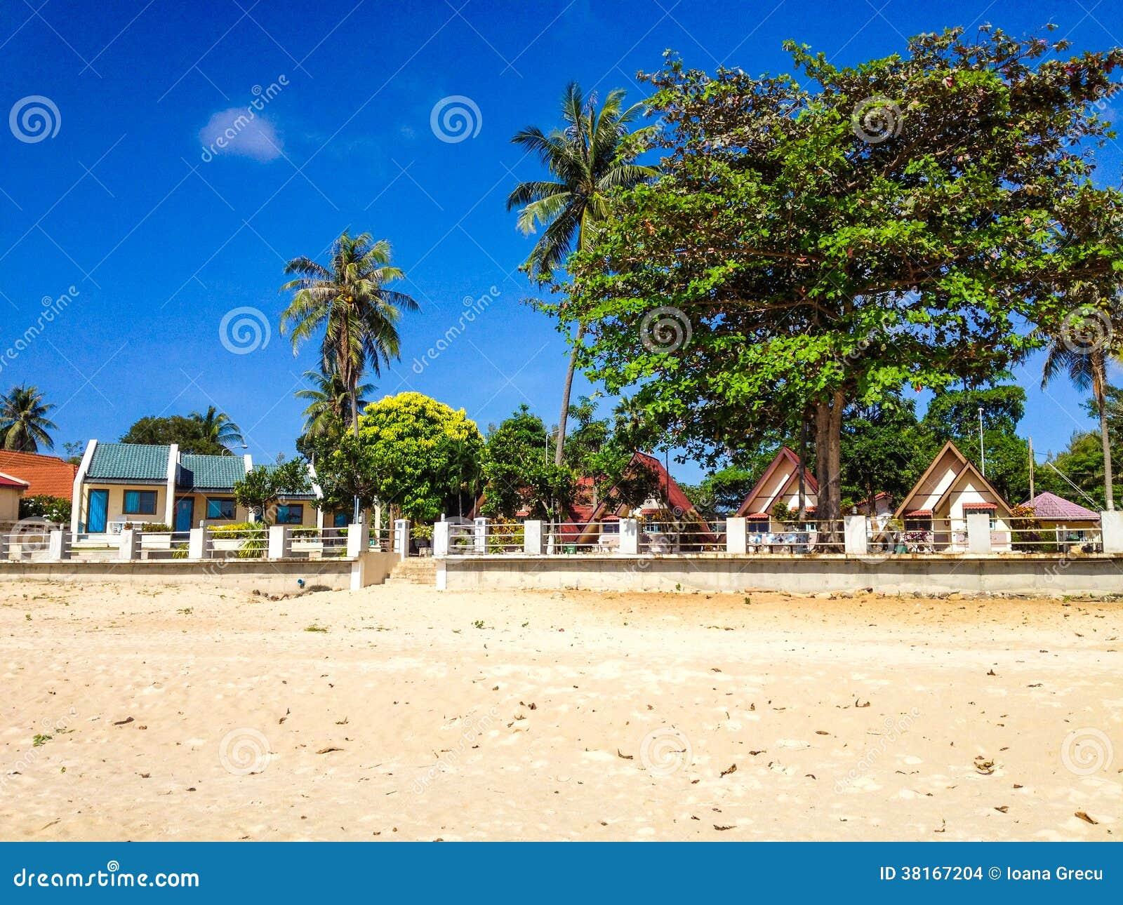 Tropikalni bungalowy na plaży