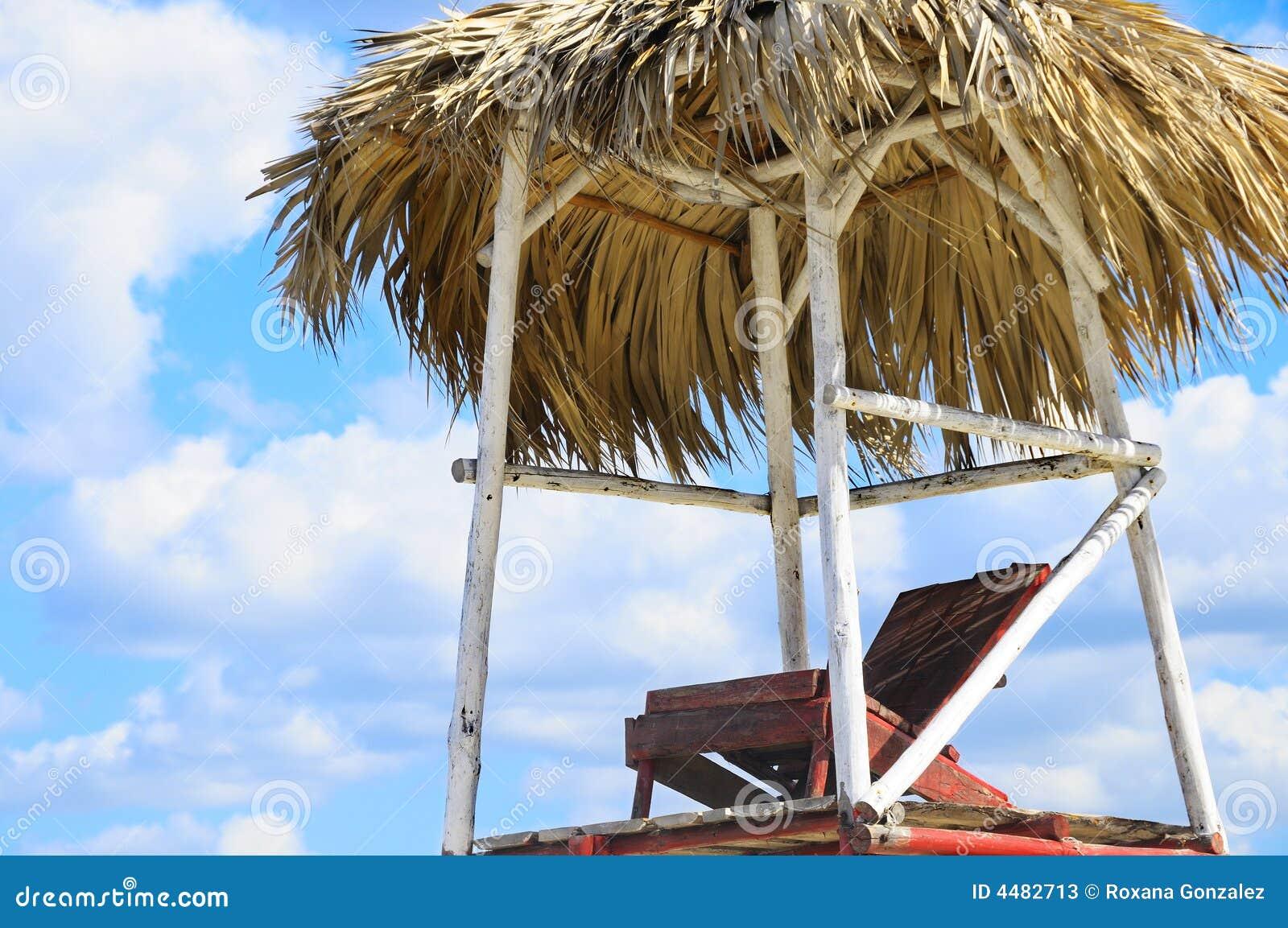 Tropikalny krzesło na plaży
