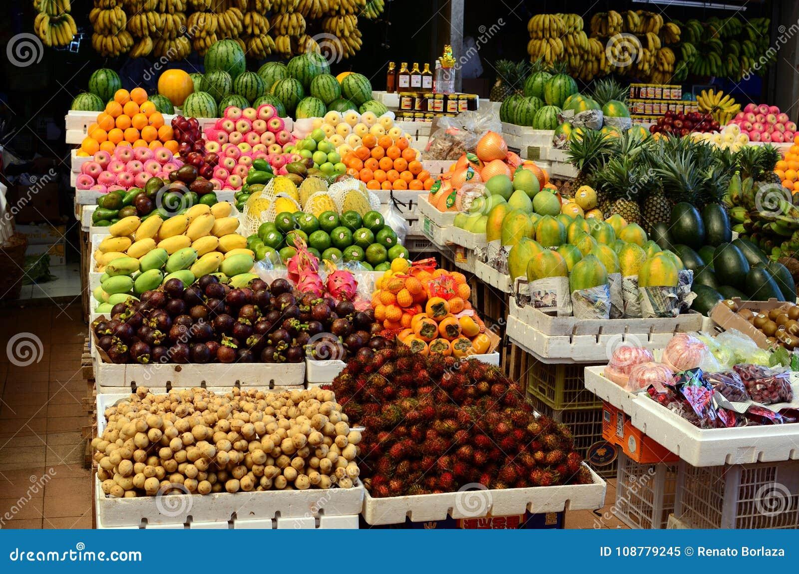 Tropikalny Owocowego rynku stojaka rynek publicznie