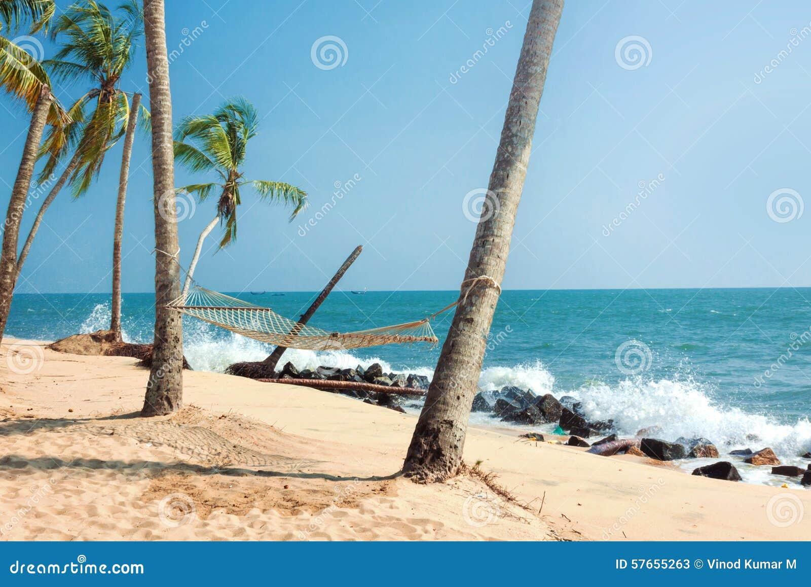 Tropikalny plażowy hamak