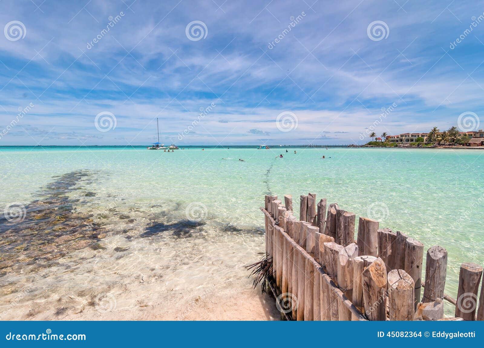 Tropischer Strand in Isla Mujeres, Mexiko