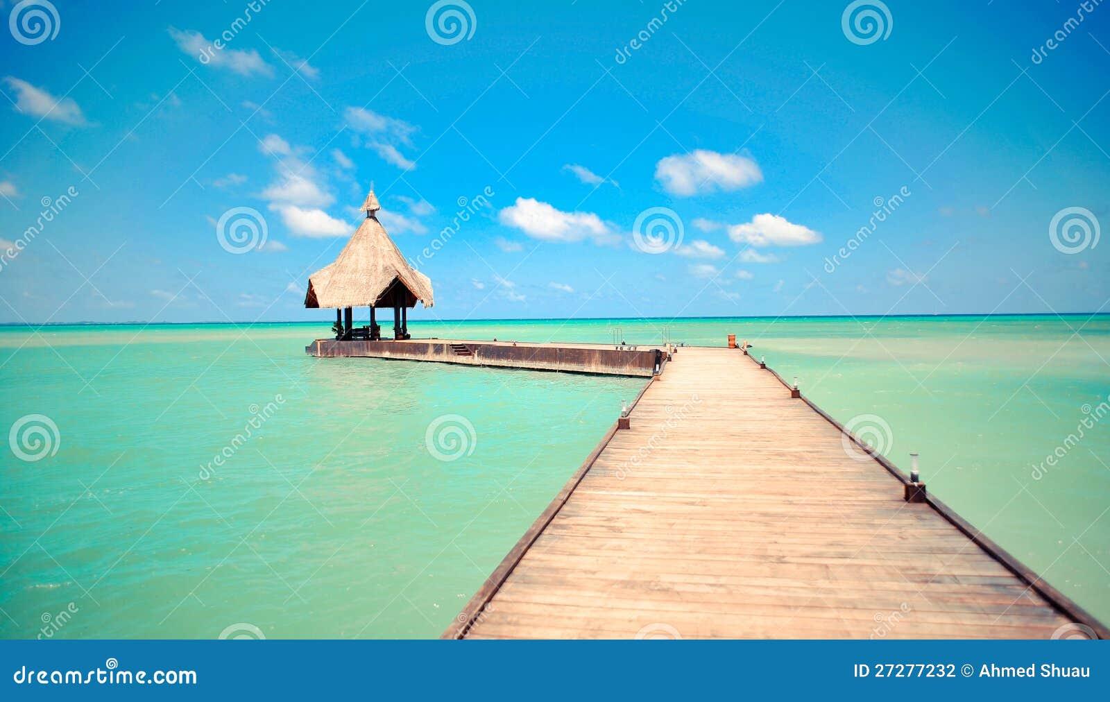 Tropisk brygga över havet