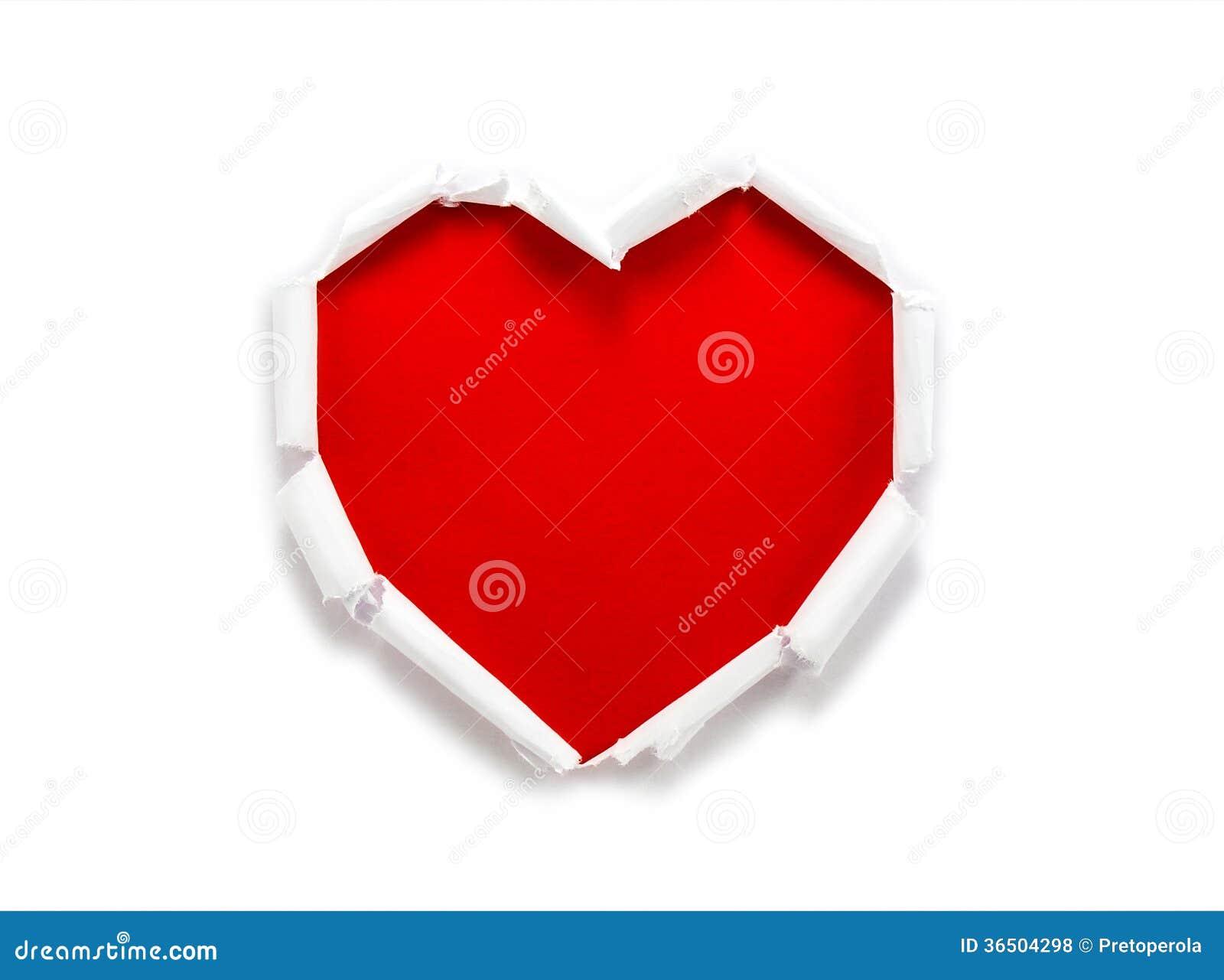 Trou de papier déchiré en forme de coeur