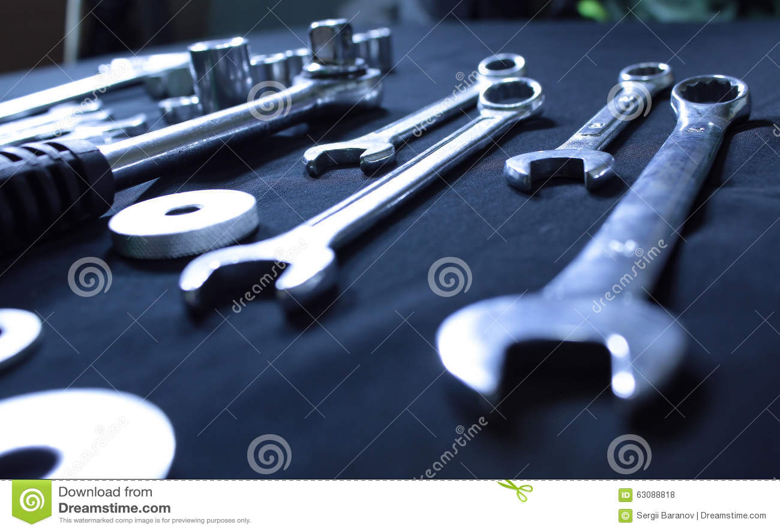 Download Trousse à Outils En Acier Avec Des Clés Et Des Clés Photo stock - Image du extrémité, outils: 63088818