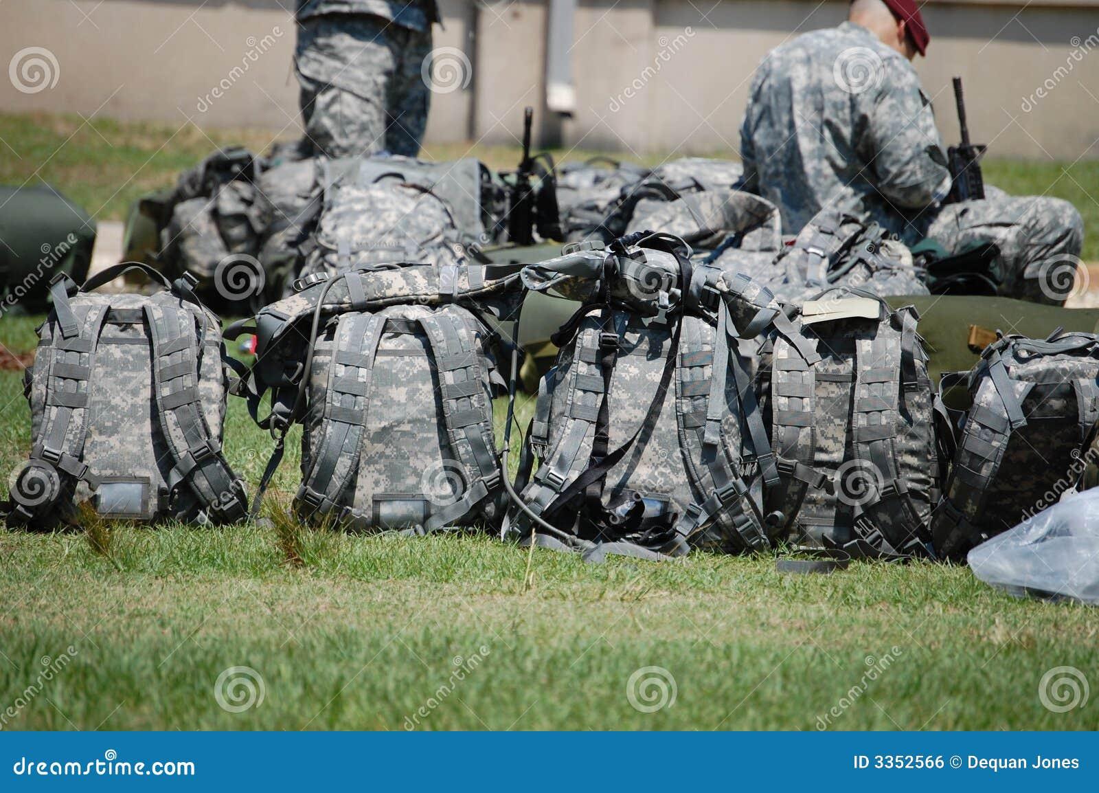 Trouxa militar