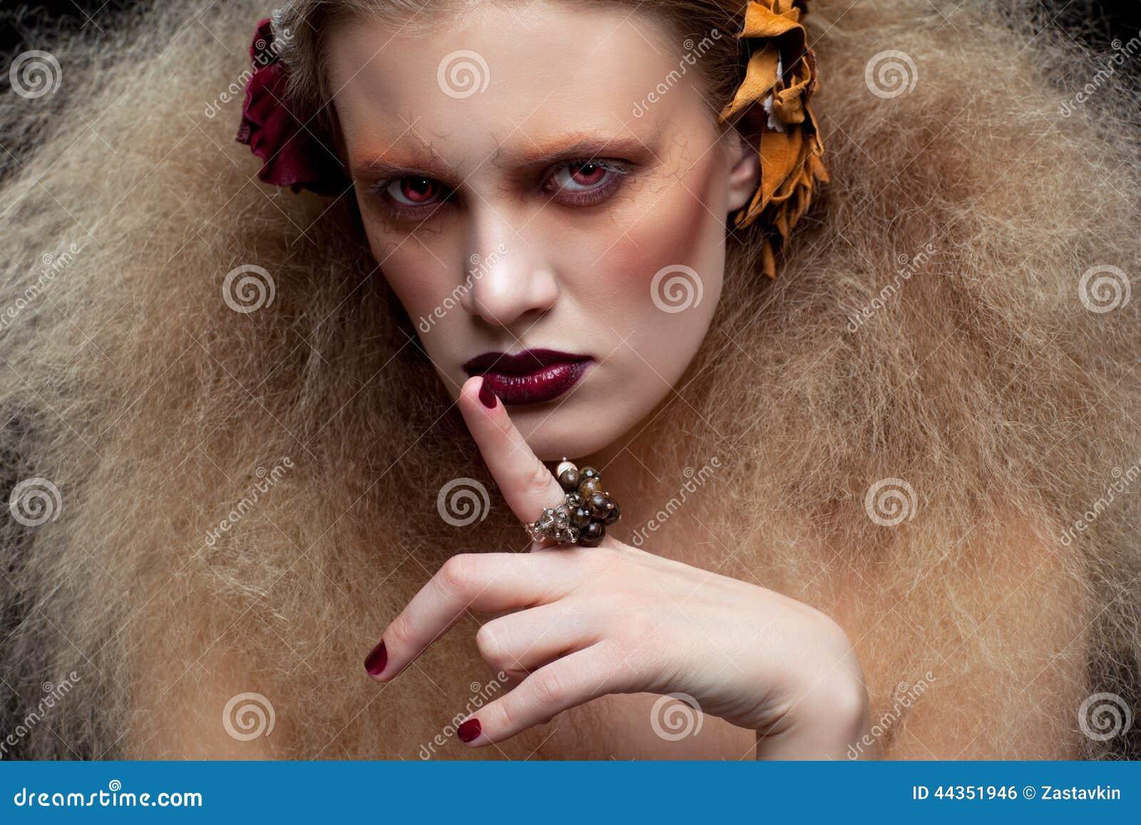 Trucco della donna di bellezza di Halloween