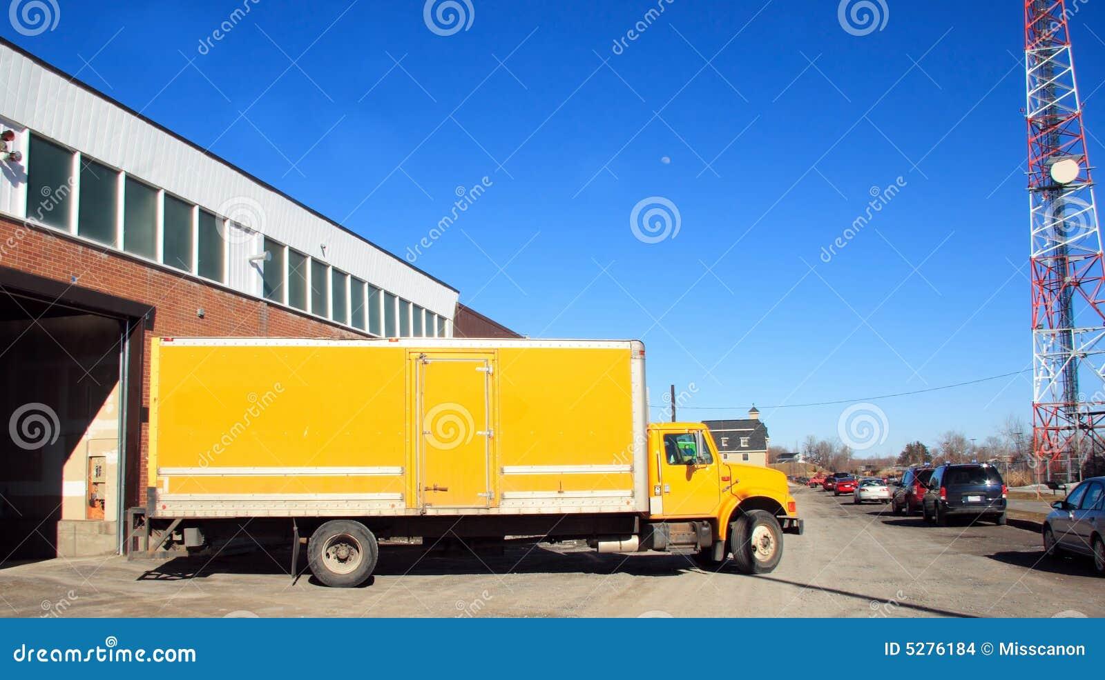 Truck παράδοσης κίτρινο