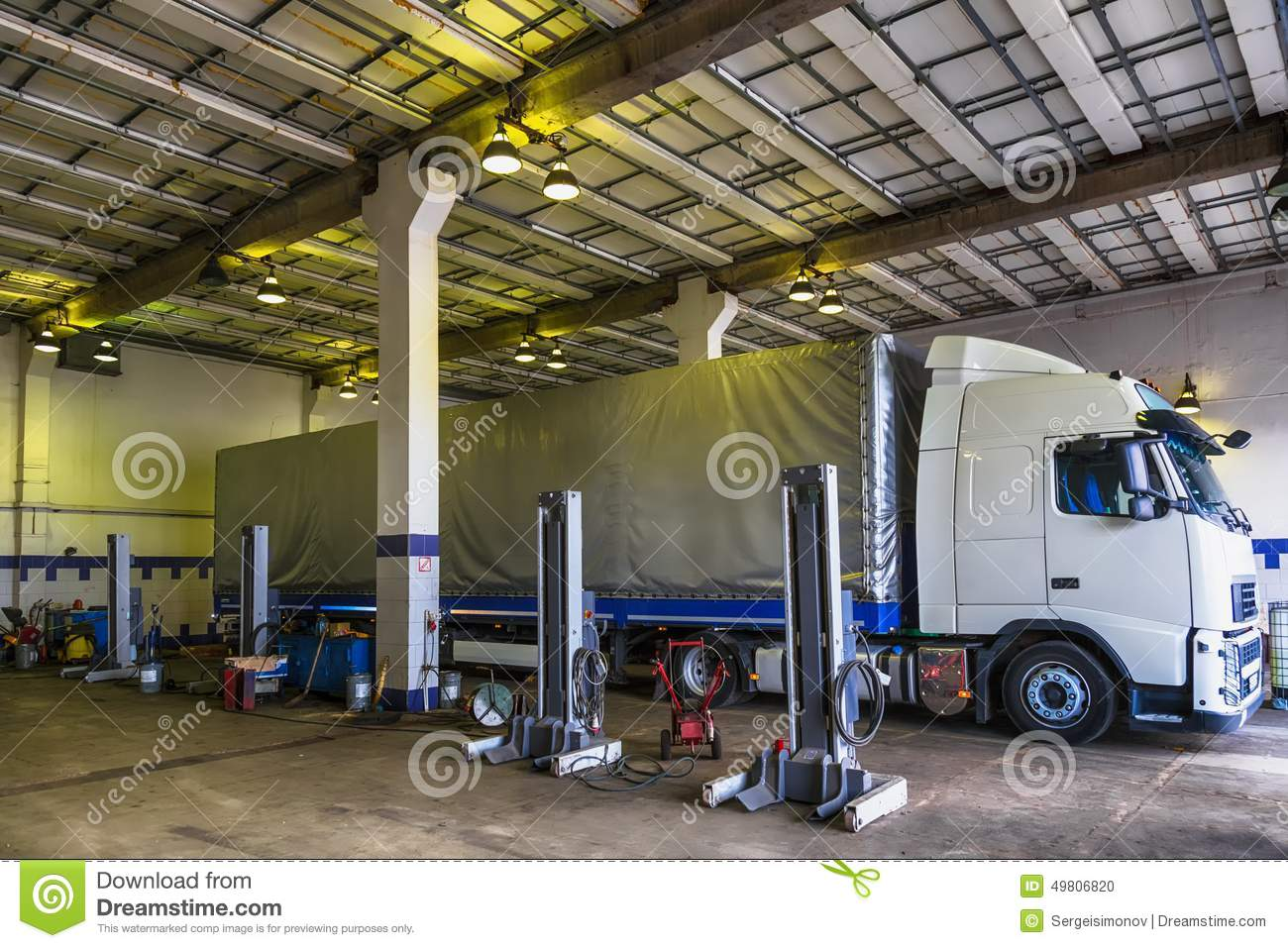 Truck Or Lorry Repair Shop Service Stock Photo Image Make Your Own Beautiful  HD Wallpapers, Images Over 1000+ [ralydesign.ml]