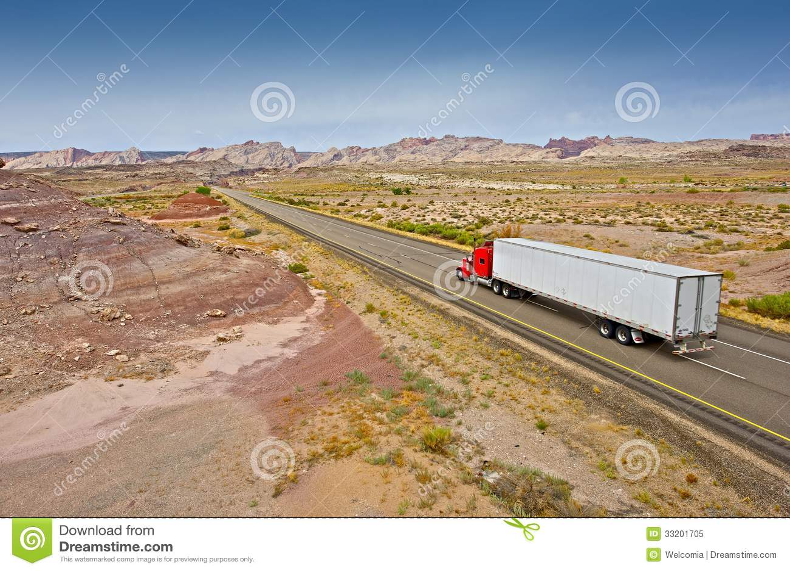 I 70 Towing >> Utah: Truck Towing Enclosed Trailer Royalty-Free Stock Photography | CartoonDealer.com #26525309