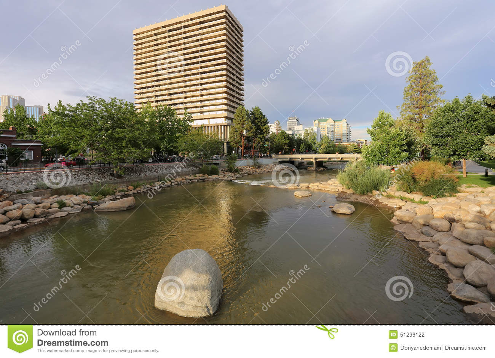 Truckee Fluss in im Stadtzentrum gelegenem Reno, Nevada