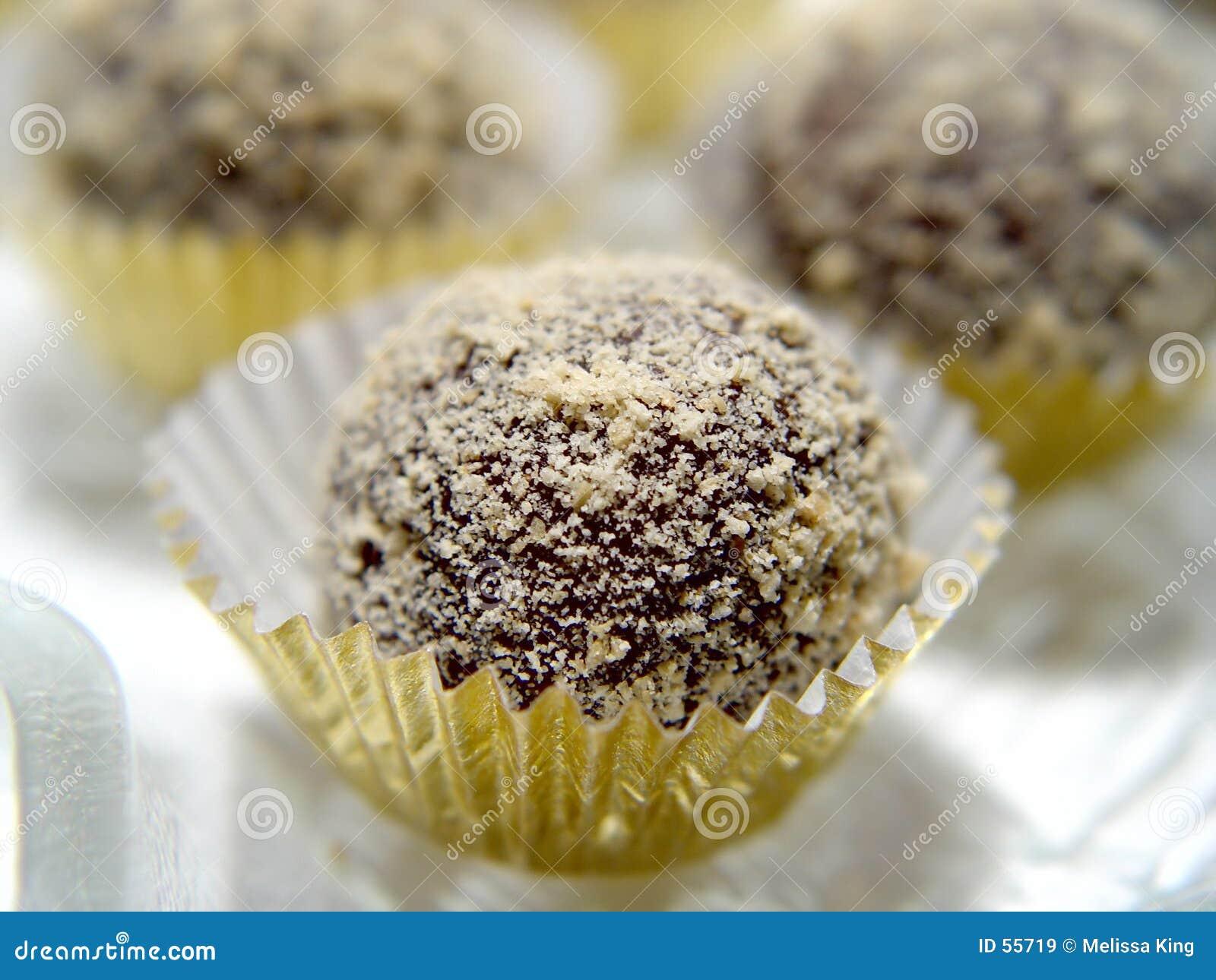 Download Truffes de chocolat image stock. Image du simple, orientation - 55719