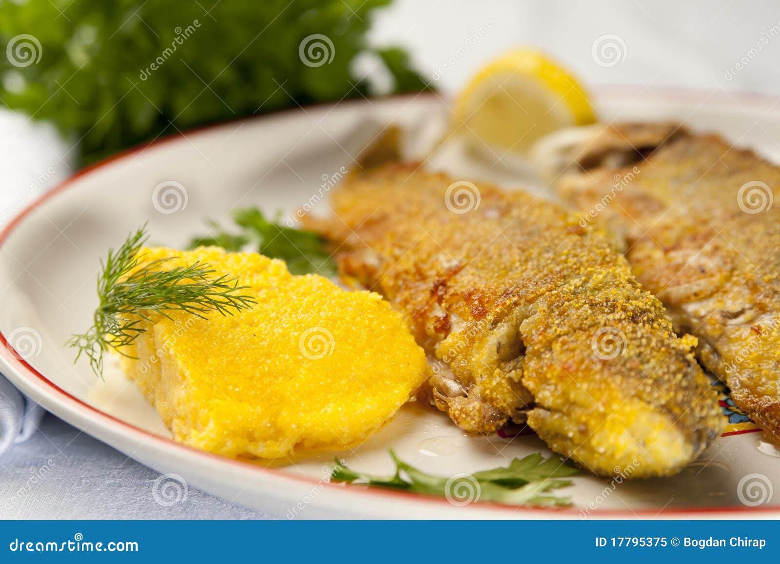 Truite arc en ciel cuit au four avec le polenta photo libre de droits image 17795375 - Polenta cuisson au four ...