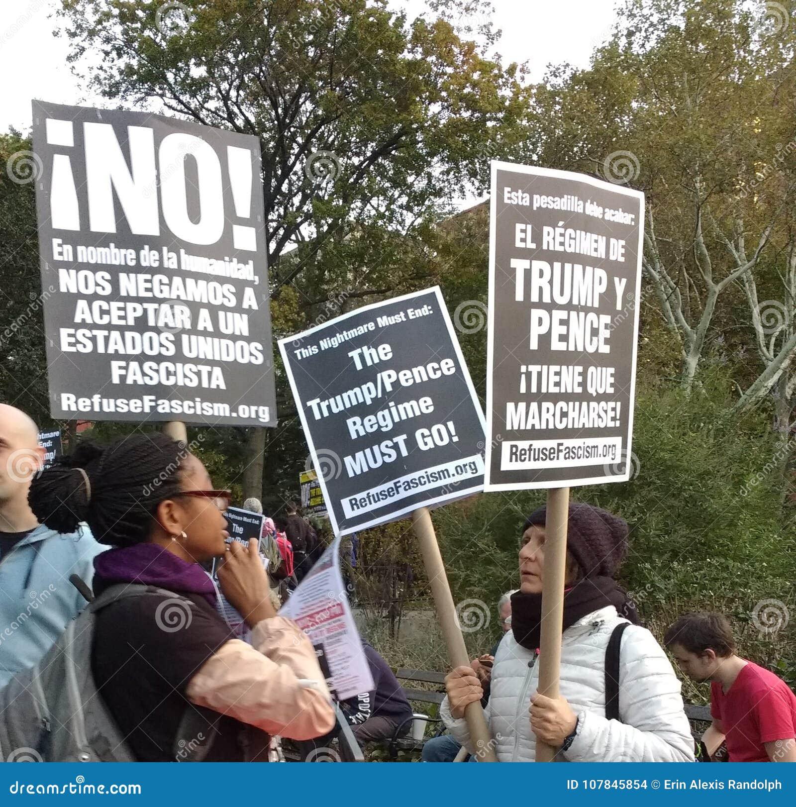 Trumpf-Regime muss gehen, Faschismus, Washington Square Park, NYC, NY, USA abzulehnen