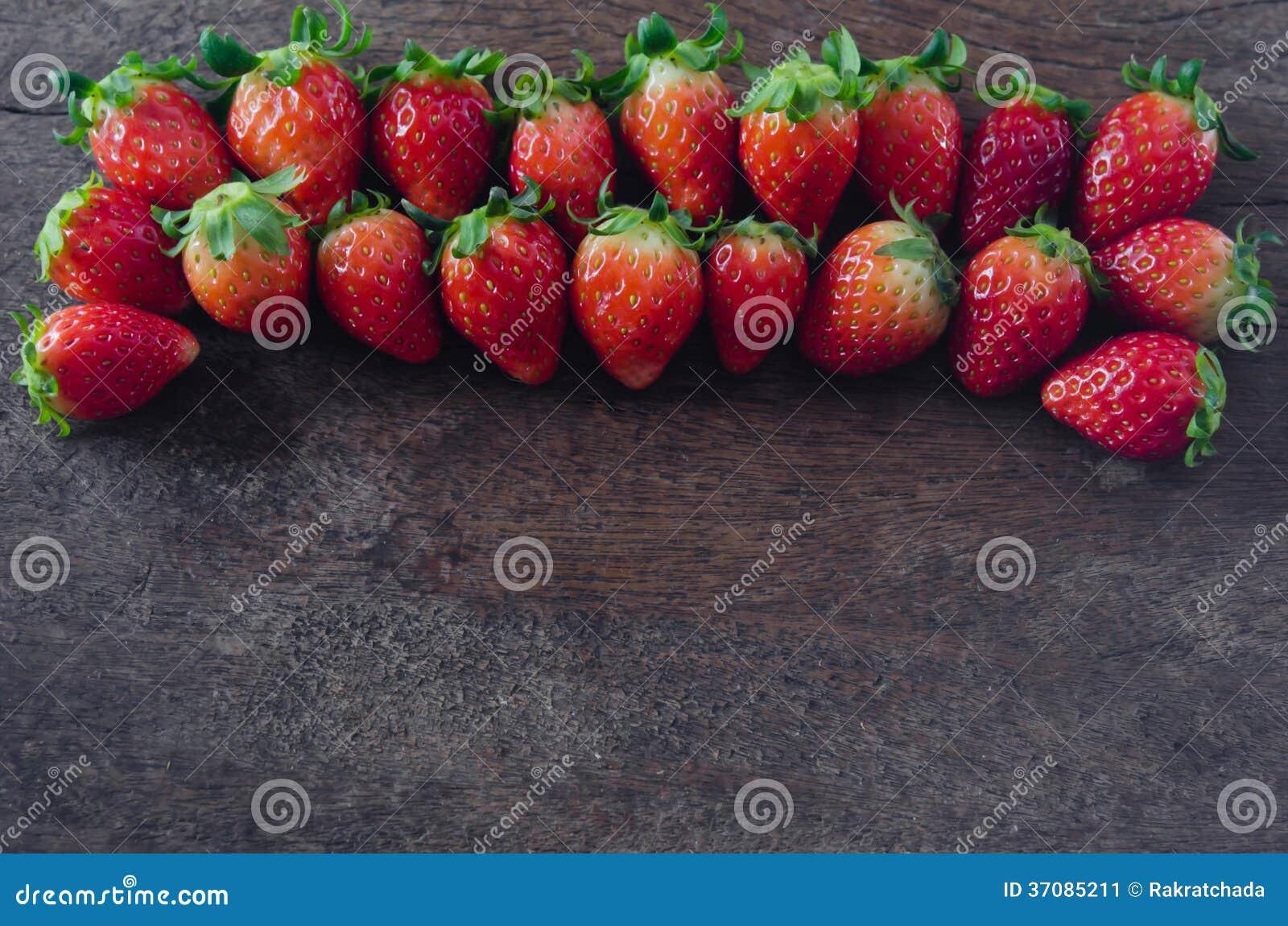Download Truskawki obraz stock. Obraz złożonej z czerwień, owoc - 37085211