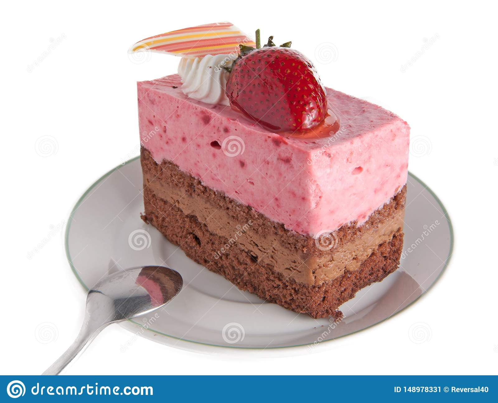 Truskawkowy mousse tort