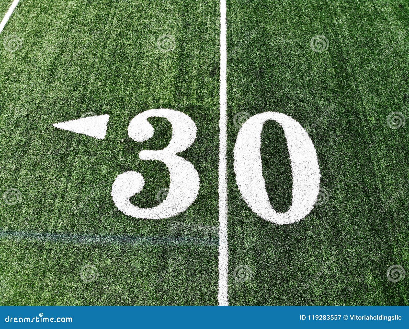 Trutnia strzał 30 jardów Mark Na futbolu amerykańskiego polu