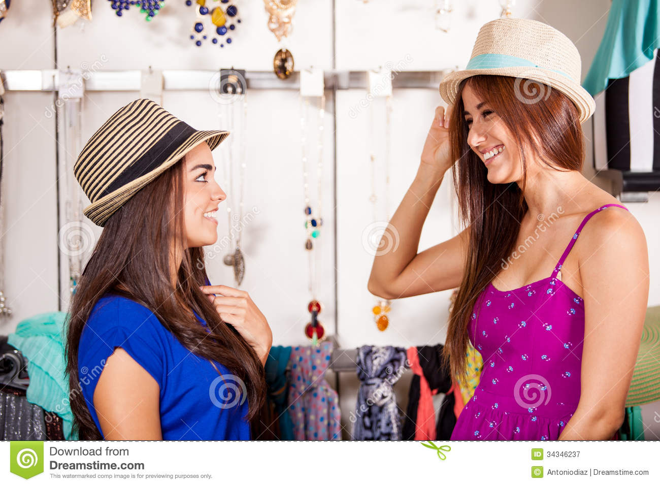 Pretty girl clothing store online