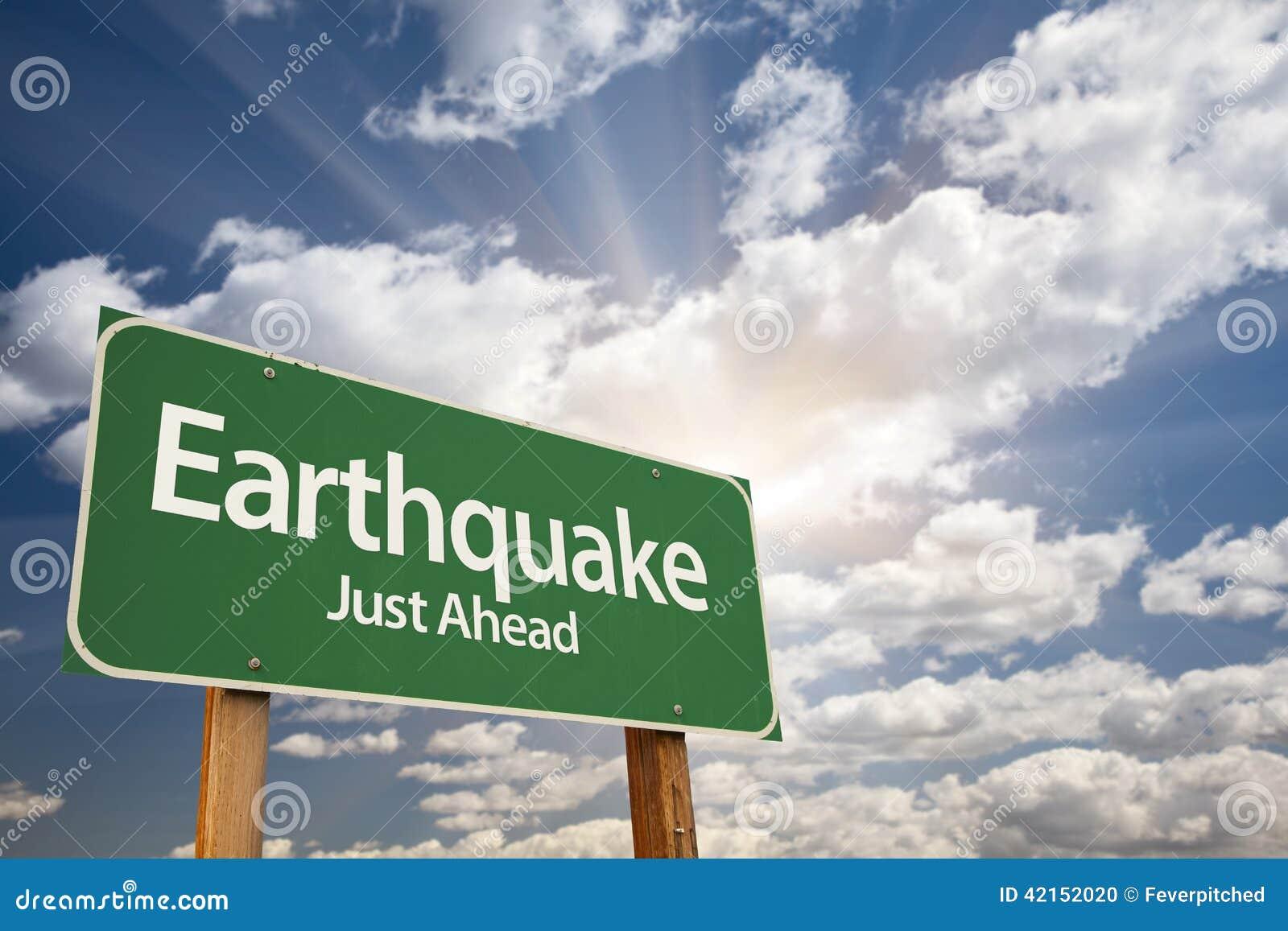 Trzęsienie ziemi Zielony Drogowy znak