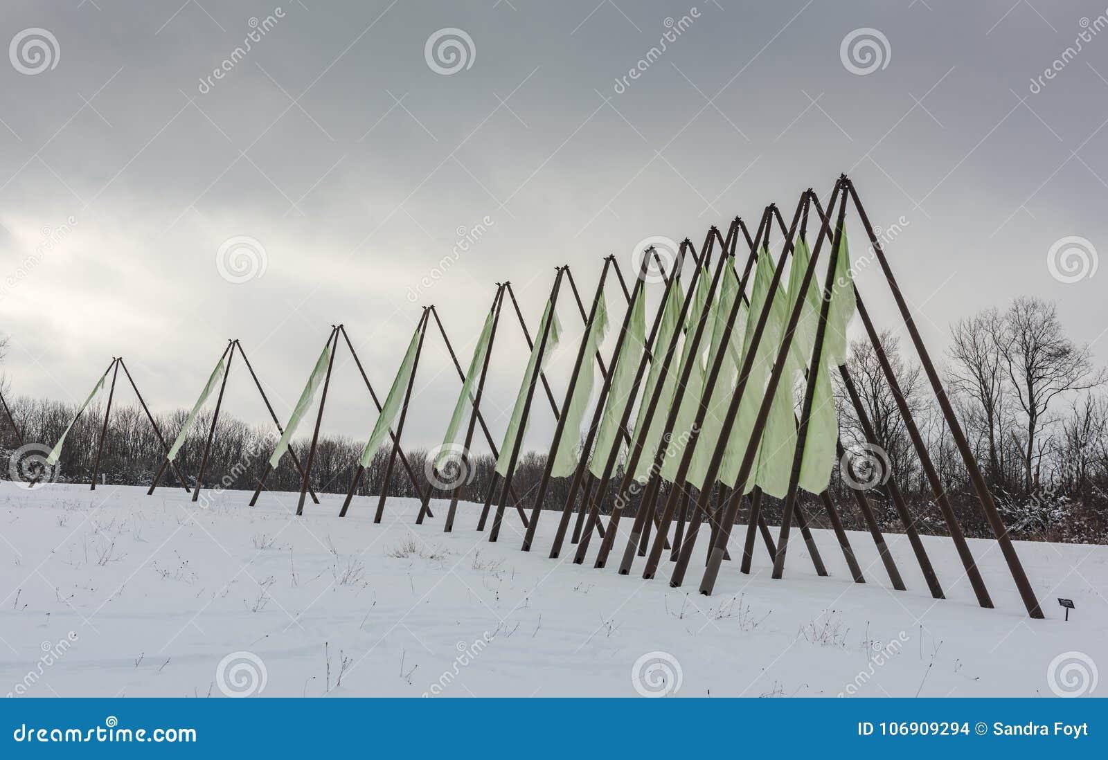 Trzeci iteracja Cazenovia, NY - Kamienny łupu wzgórza sztuki park -