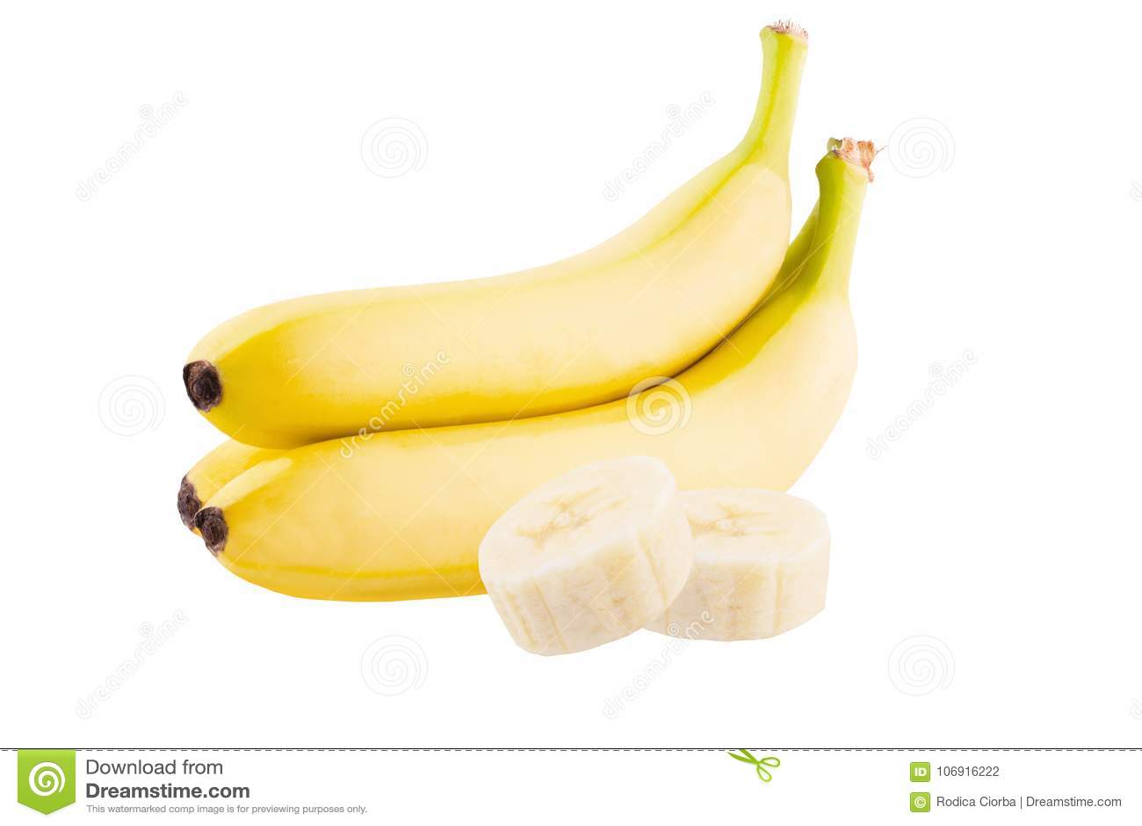 Trzy świeżego banana plasterka na białym tle