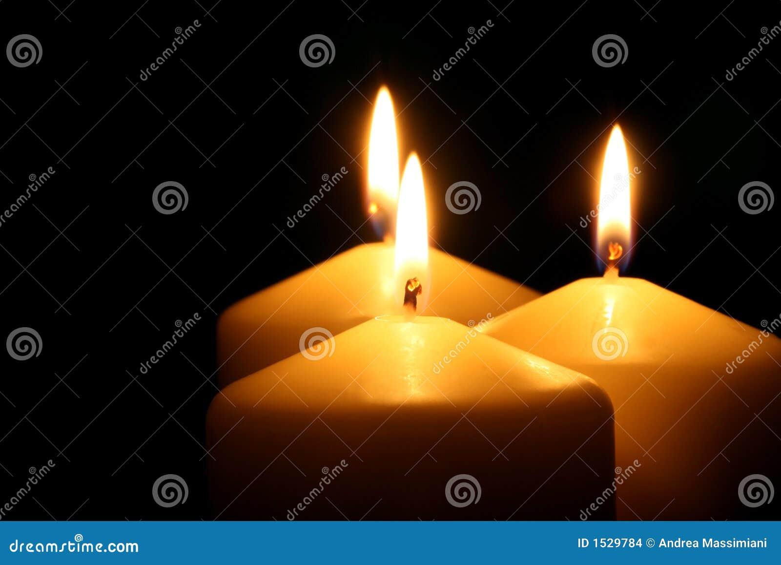 Trzy świece.