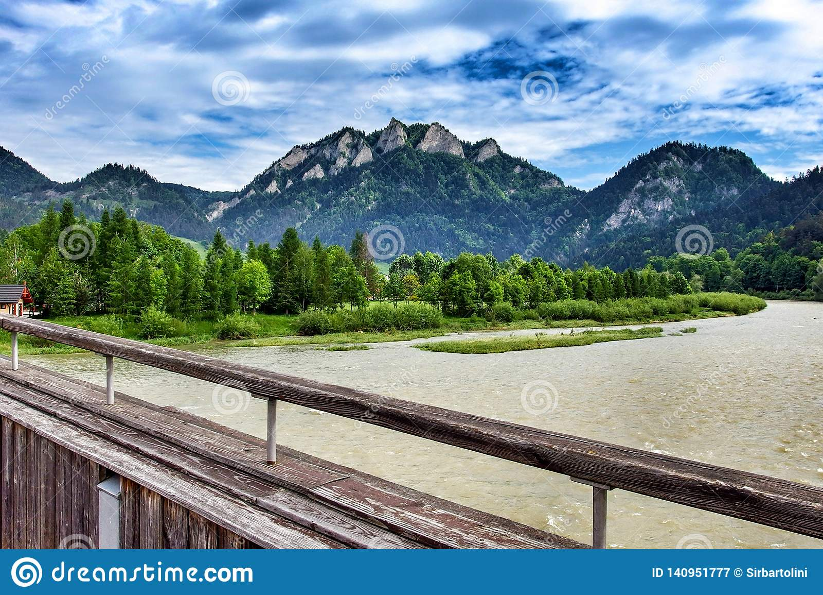 Trzy Korony peak over the river of Dunajec in Sromowce Niżne in Poland