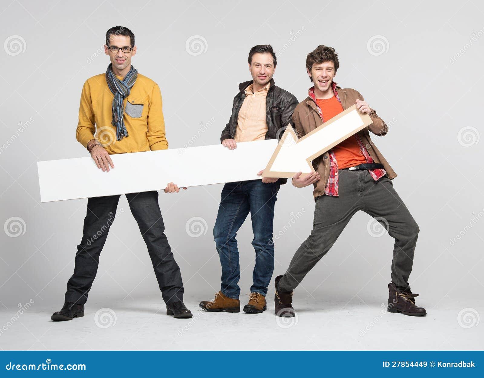 Trzy mężczyzna z strzała