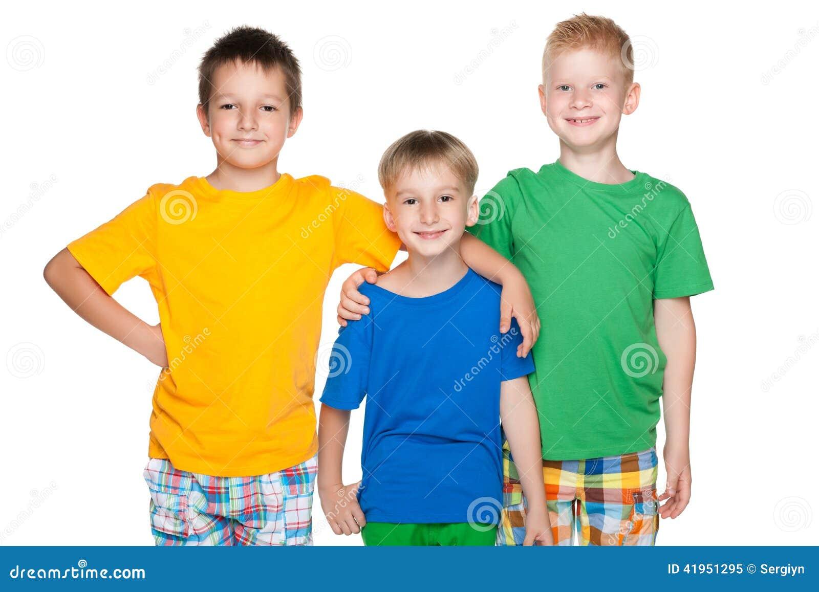 Trzy moda rozochoconego małego przyjaciela