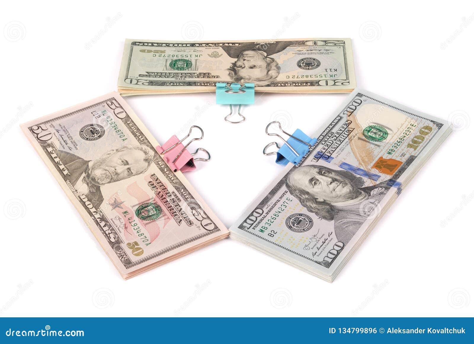 Trzy zwitka pieniądze sto pięćdziesiąt i dwadzieścia dolarów