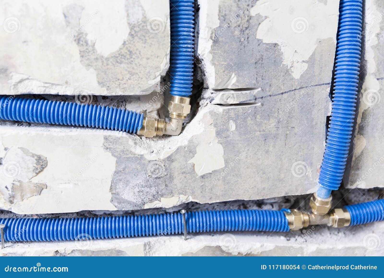 Tubi Per Scarico Bagno tubature dell'acqua fatte di polipropilene pex nella parete