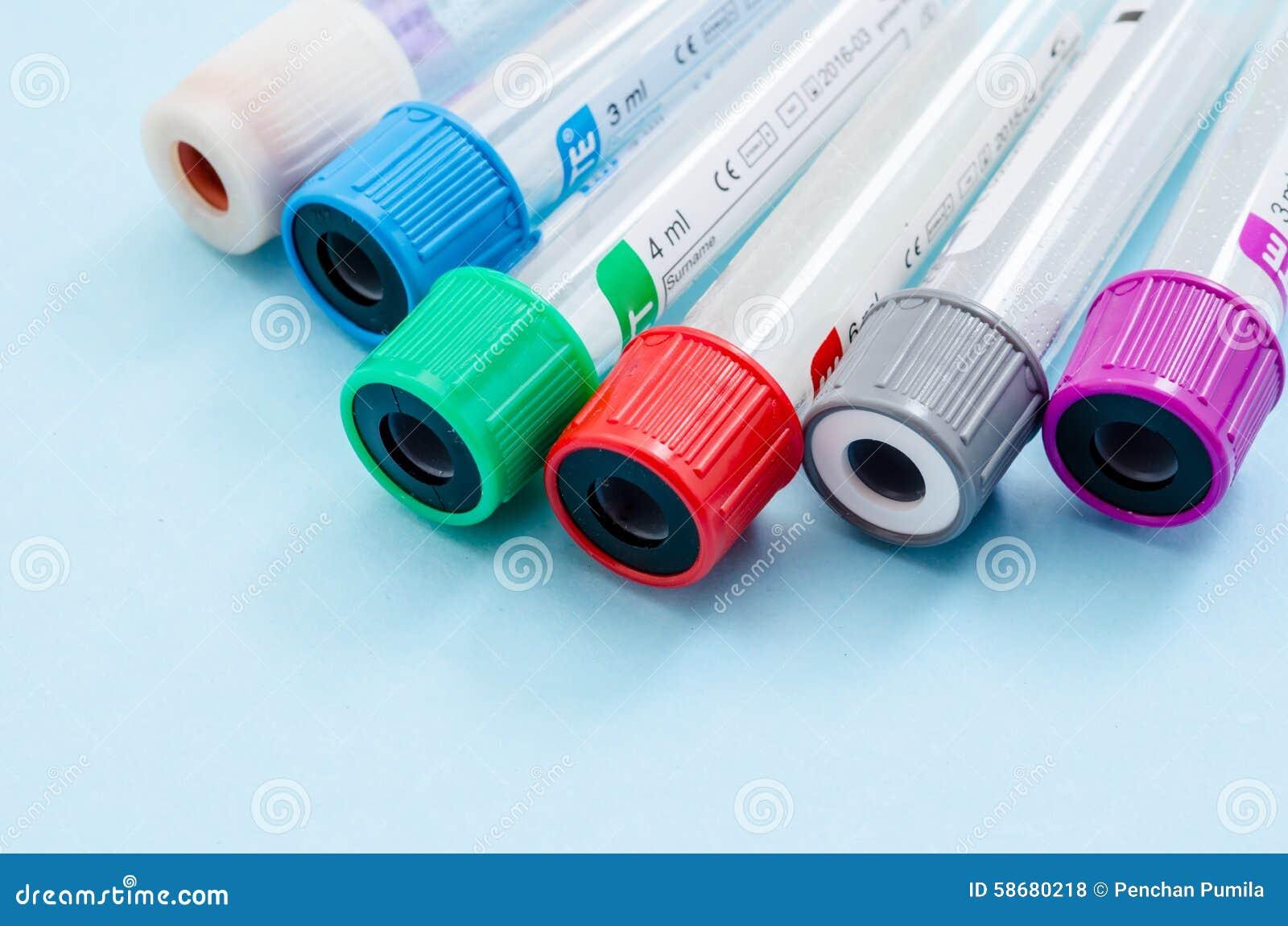 tube vide de sang pour le test de d u00e9pistage de prise de sang photo stock