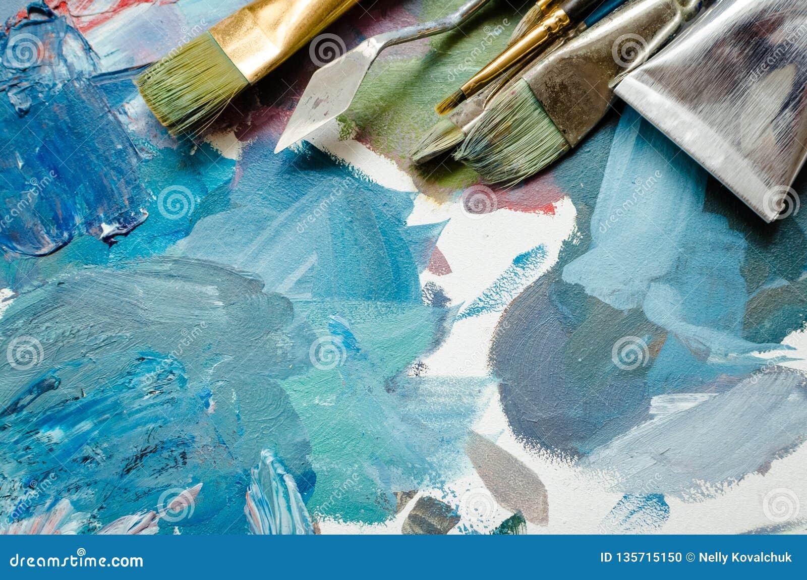 Tubes de pinceaux d artiste et de peinture à l huile